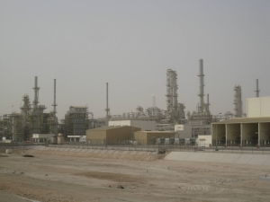 <h6>Ras Laffan Refinery Project</h6><br><h7>Country: Qatar / Client: Qatar Petroleum&(France)Total& (US)ExxonMobil Corporation<br>Company: <a href='http://www.gsconst.co.kr/en/' target='_blank'>GS Engineering&Construction Corporation</a><br>Project Cost: 437,354 in thousand US$ / Work Duration: 2005/06/20 ~ 2010/01/31</h7>