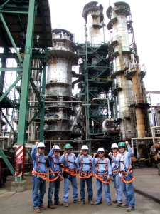 <h6>Esmeraldas Refinery Overhauling Project</h6><br><h7>Country: Ecuador / Client: PETROINDUSTRIAL<br>Company: <a href='http://www.skec.com/' target='_blank'>SK Engineering & Construction Co., Ltd.</a><br>Project Cost: 530,954 in thousand US$ / Work Duration: 2008/12/29 ~ 2017/01/20</h7>