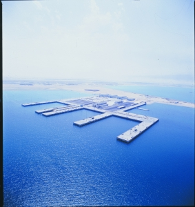 <h6>SAUDI NAVAL EXPANSION PROGRAMME OFFSHORE FACILITIES, JUBAIL</h6><br><h7>Country: Saudi Arabia / Client: U.S ARMY CORPS OF ENGINEERS<br>Company: <a href='http://en.hdec.kr' target='_blank'>Hyundai Engineering&Construction Co., Ltd.</a><br>Project Cost: 205,820 in thousand US$ / Work Duration: 1975/12/01 ~ 1978/12/18</h7>