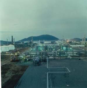 <h6>EXPANSION OF GAS PROCESSING PLANT AND EXPORT TERMINAL</h6><br><h7>Country: Malaysia / Client: Petronas Gas Sdn..Bhd<br>Company: <a href='http://en.hdec.kr' target='_blank'>Hyundai Engineering&Construction Co., Ltd.</a><br>Project Cost: 359,098 in thousand US$ / Work Duration: 1990/01/06 ~ 1993/06/01</h7>