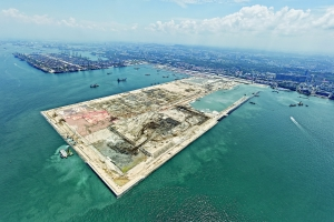 <h6>CONTAINER TERMINAL PHASE II AT PASIR PANJANG S PORE - Reclamation, Soil Improvement and Decking Works</h6><br><h7>Country: Singapore / Client: Port Of Singapore Authority<br>Company: <a href='http://en.hdec.kr' target='_blank'>Hyundai Engineering&Construction Co., Ltd.</a><br>Project Cost: 272,853 in thousand US$ / Work Duration: 1995/10/09 ~ 2002/03/08</h7>